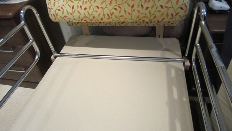 Deluxe Safety Medical Bed Railsfor Divan Bed Adjustable