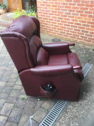 Celebrity Lift/Tilt leather armchair  - click to zoom