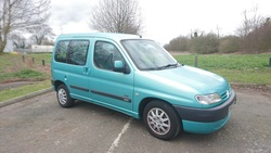 Citroen Berlingo. Adapted for wheelchair passenger. - click to zoom