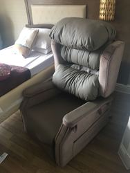 Reclining Chair - click to zoom