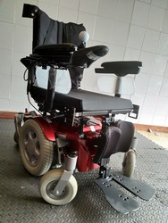 Sunrise Quickie Salsa Mini Electric Wheelchair Powerchair - click to zoom