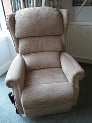 Electric Riser Recliner Chair - click to zoom