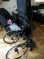 LEVO Standing Wheelchair, Great For Circulation, Lightweight, NEW WHEELS **UK DELIVERY* - click to zoom