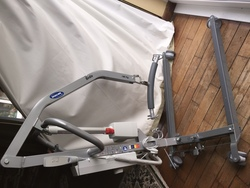 Invacare birdie hoist up to 180kg - click to zoom