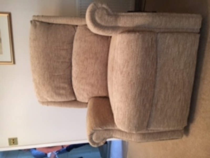 Riser Recliner Chair From Hsl Immaculate Condition 163 250